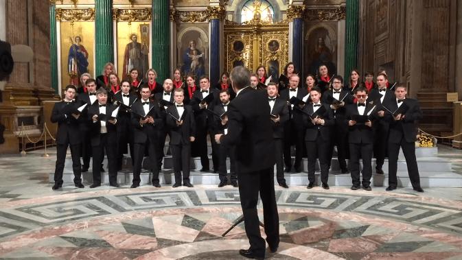 Російський хор заспівав про атомне бомбардування США просто у соборі (ВІДЕО)
