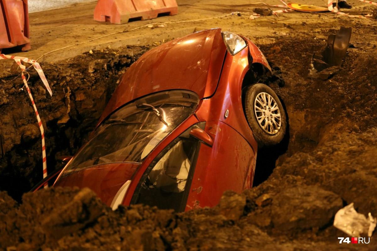 Як франківські водії можуть відшкодувати збитки за поломки на поганій дорозі (ІНСТРУКЦІЯ)
