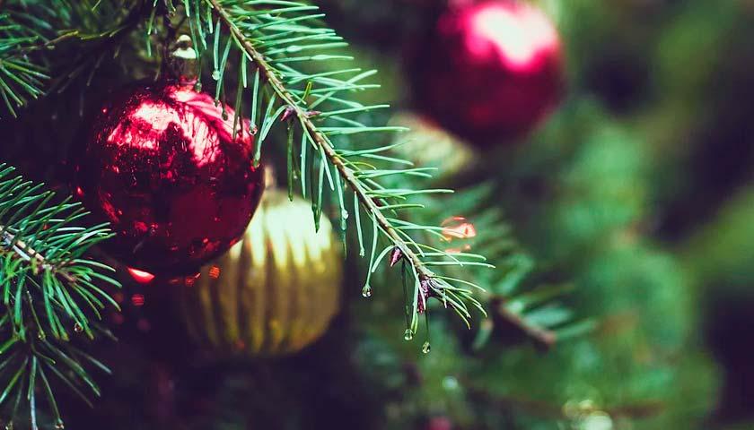 Франківці розповіли, що їм приніс святий Миколай та чого чекають у новому році (ВІДЕО)