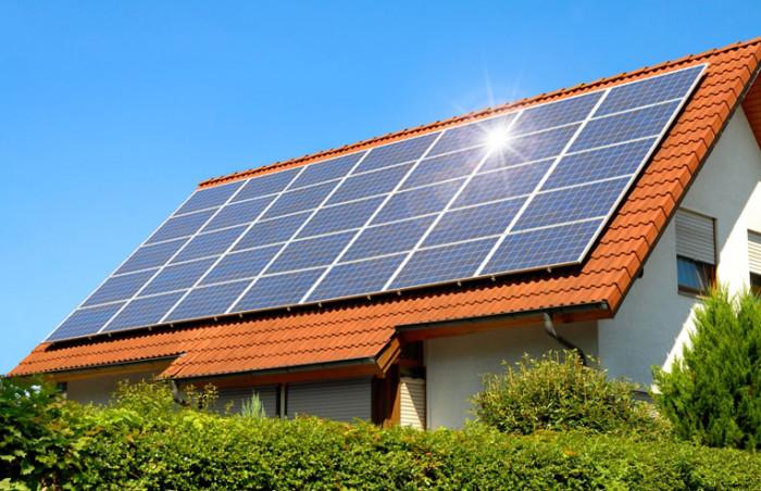 Сонячні станції для приватного будинку: які переваги їх встановлення?
