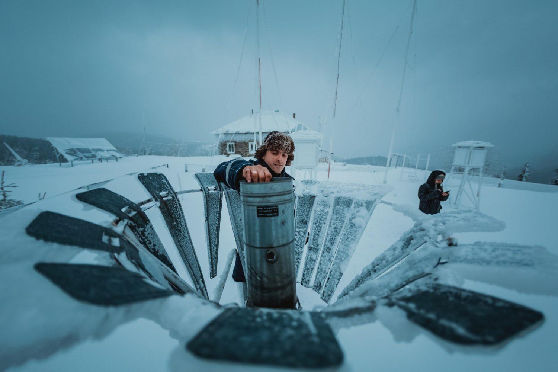 Дослідник лавин і знавець хмар: як працюють метеорологи у Карпатах (ФОТО)