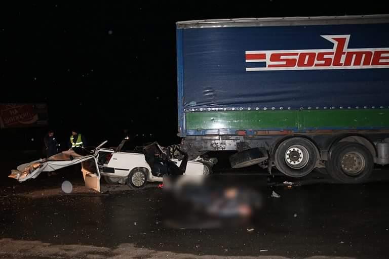 З'явилися фото ДТП на Тисмениччині, в якій загинули двоє осіб