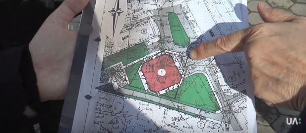 Мешканці дворів на Пулюя продовжують захищати двір від забудови (відео)