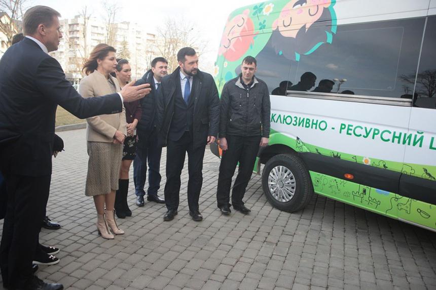 Інклюзивно-ресурсний центр Коломиї отримав мобільне спецобладнання (ФОТО)