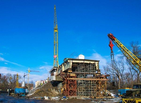 Задля здешевлення будівництва міст на Пасічній звузять до однієї смуги