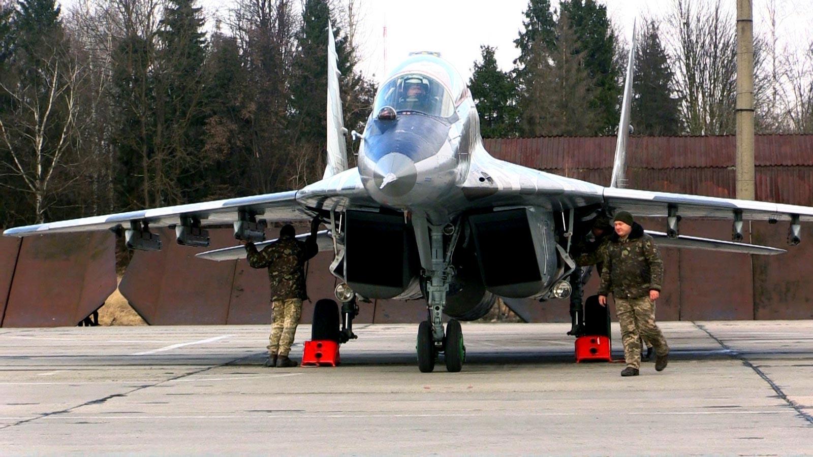 Франківські авіатори вчилися знищувати безпілотники (ФОТО)