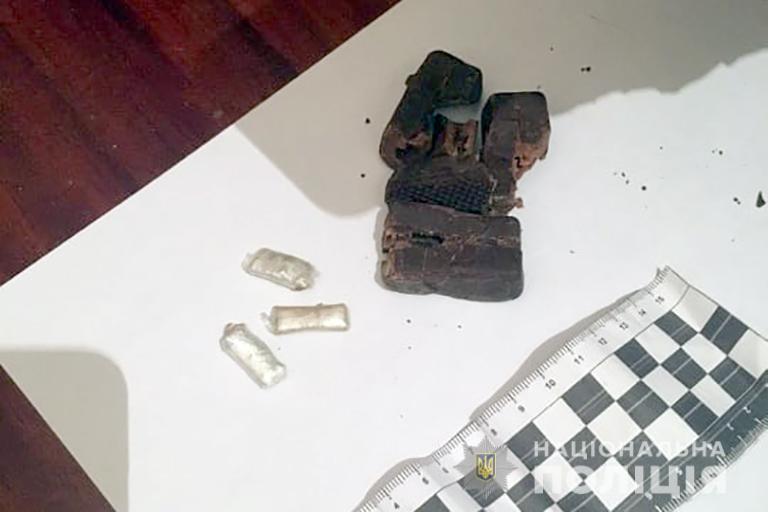 У Франківську ув'язненому передали наркотики в солодощах (ФОТО)