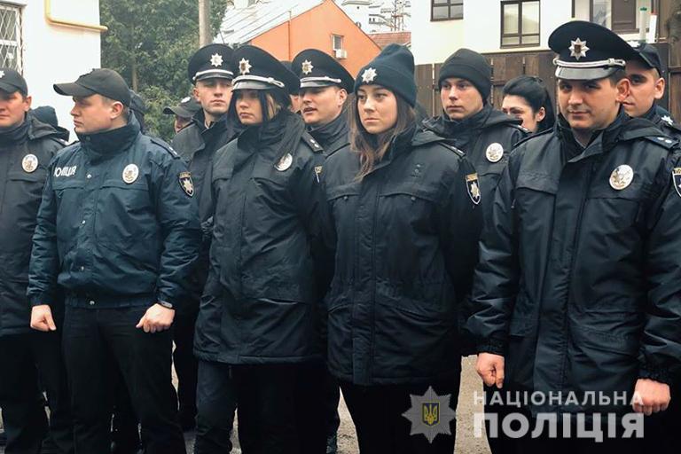 Поліцію Прикарпаття перевели на посилений режим роботи (ФОТО, ВІДЕО)