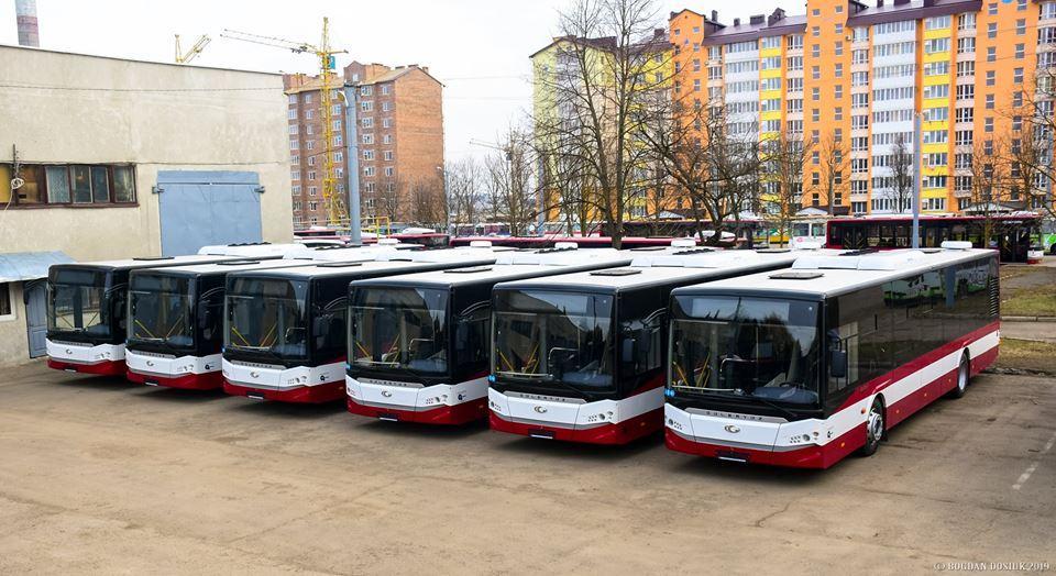 Кондиціонери, USB-зарядки, місця для візочків і навіть тварин- такі опції мають нові автобуси в Івано-Франківську (ФОТО)