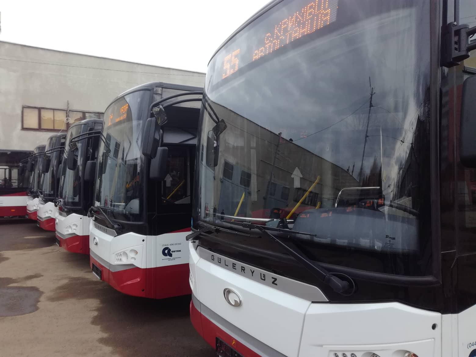 В Івано-Франківську презентували нові турецькі автобуси, які вийдуть на кілька маршрутів (ФОТО)