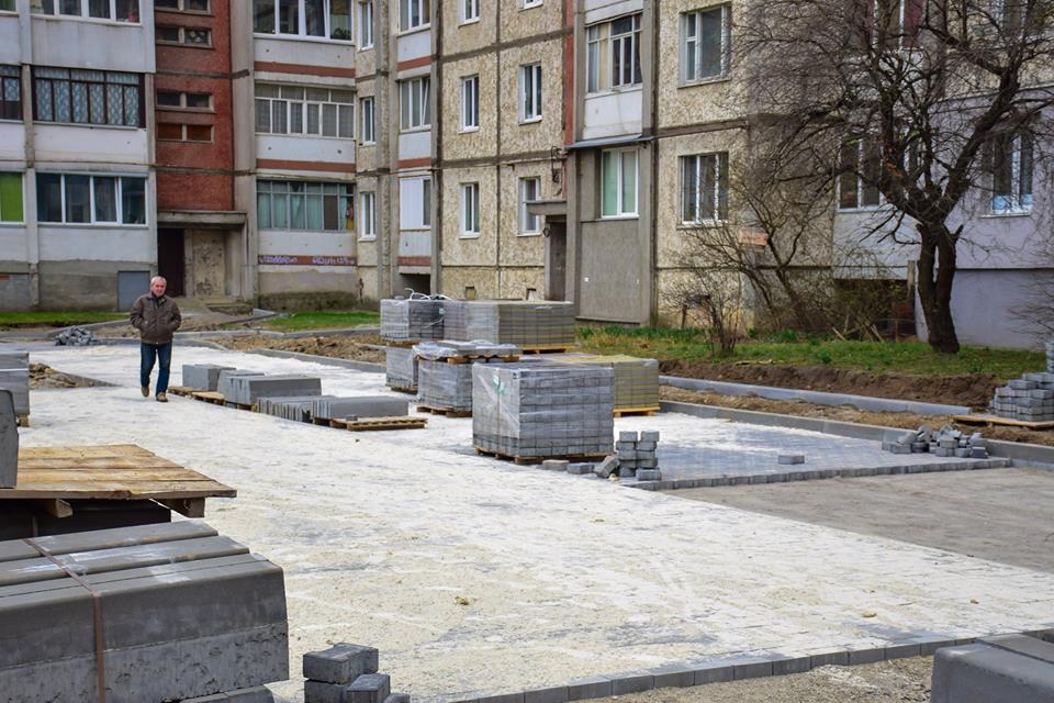 Вулиця Івана Павла ІІ отримає нову дорогу та тротуари, – Марцінків (фоторепортаж)