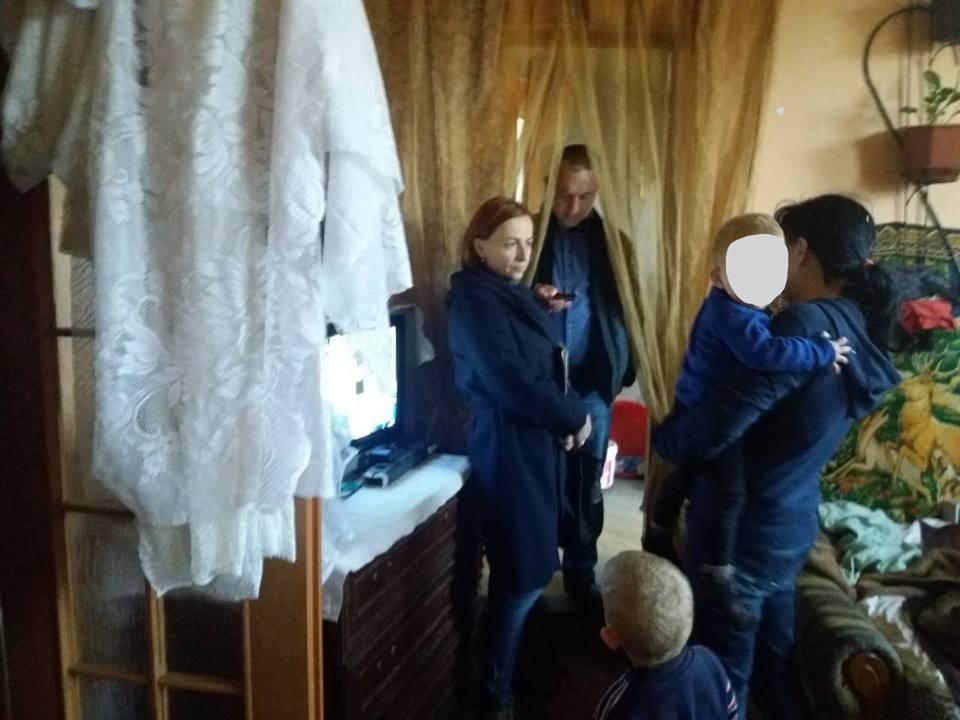 У Франківську шестирічного хлопчика забрали від батьків до лікарні (ФОТО)