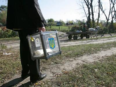 Прикарпатські правоохоронці взяли під охорону усі дільничні виборчі комісії
