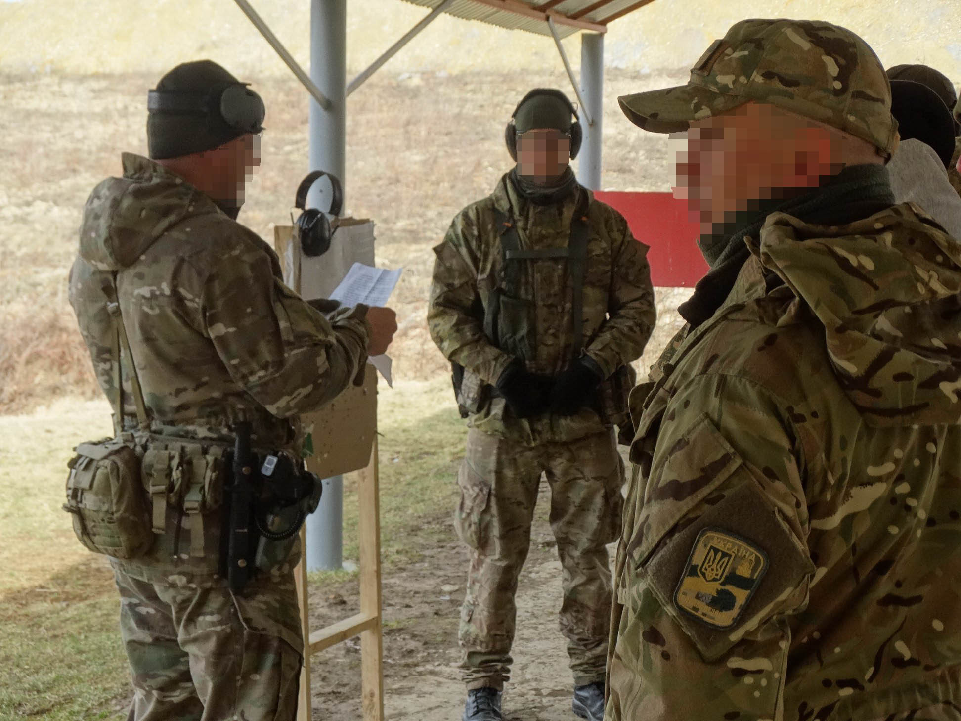Бійці прикарпатської СБУ позмагалися у стрільбі  (фоторепортаж)
