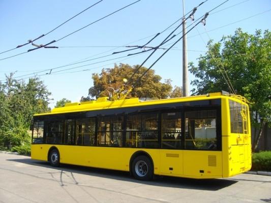 Через підтоплення дороги тимчасово зупинено рух тролейбуса №4