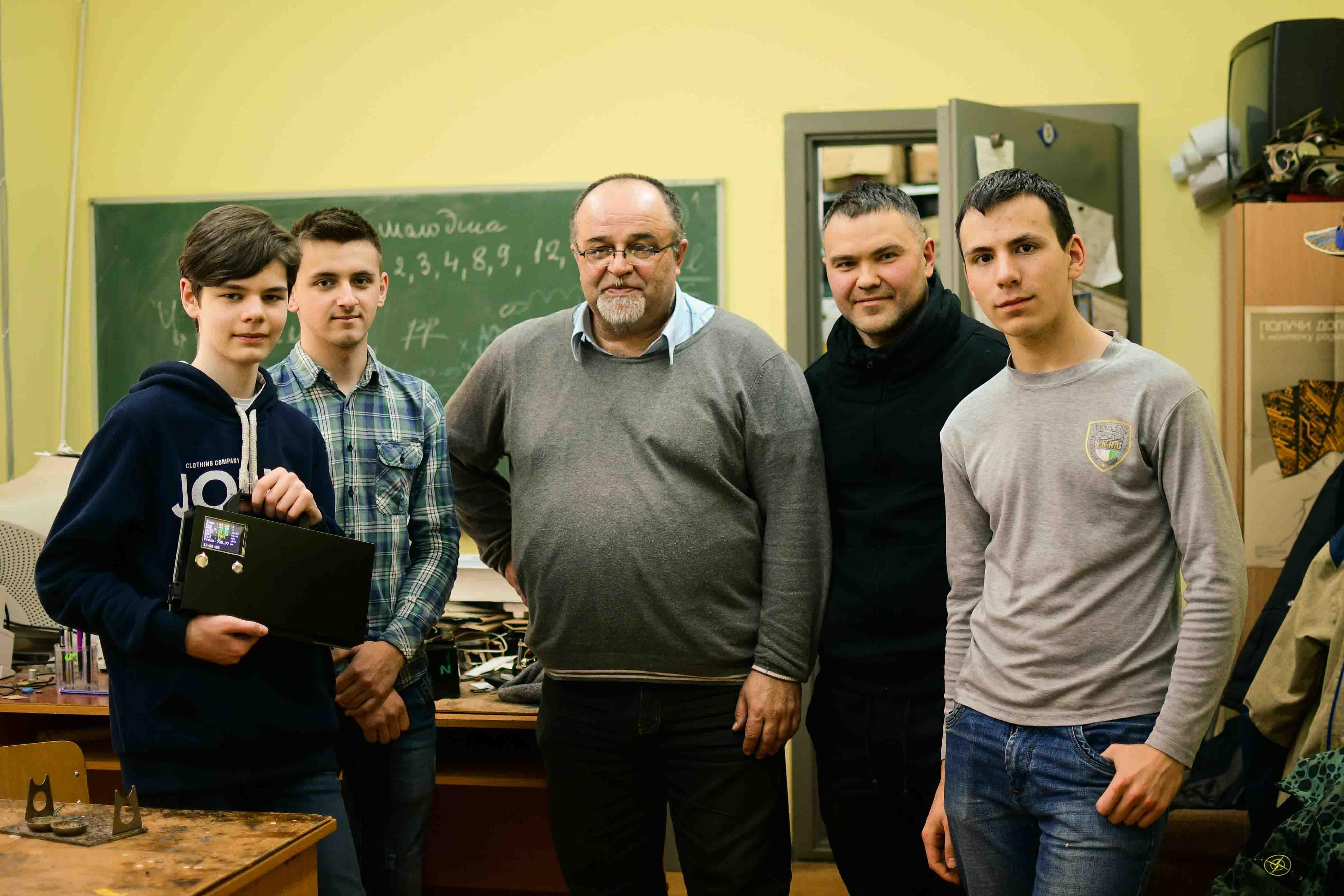 Українські інновації та євростандарти: як франківські підлітки моніторять, чим ми дихаємо (ФОТО)