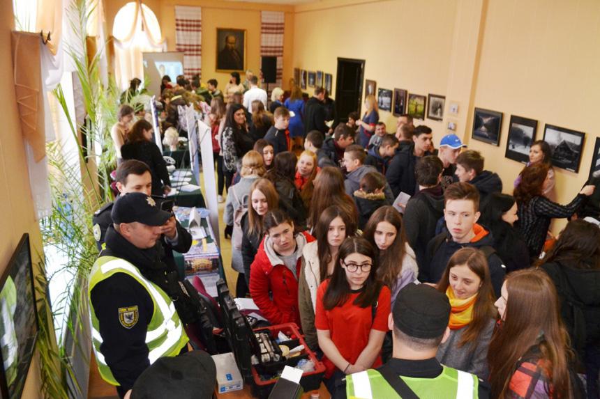 Школярам розповіли про затребувані професії на Прикарпатті (ФОТО)