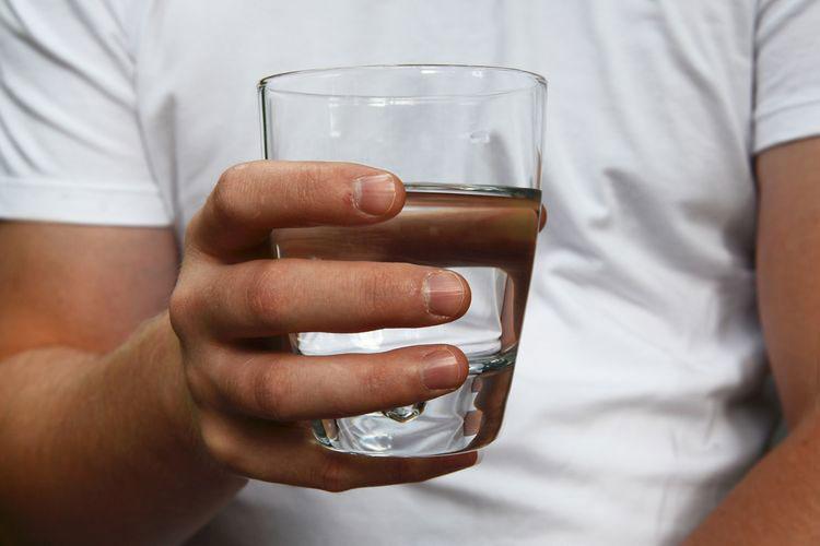 Галка рекомендує: сім причин, чому ранок потрібно починати зі склянки теплої води
