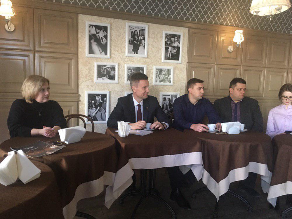 Наливайченко обговорив з прикарпатськими освітянами питання підтримки української мови та літератури на державному рівні (ФОТО)