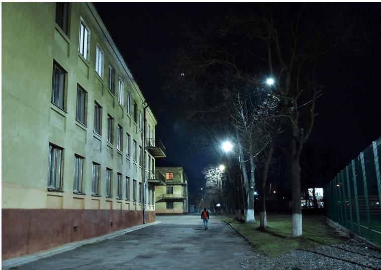 У Франківську встановили нове освітленняна території школи №28 (ФОТО)