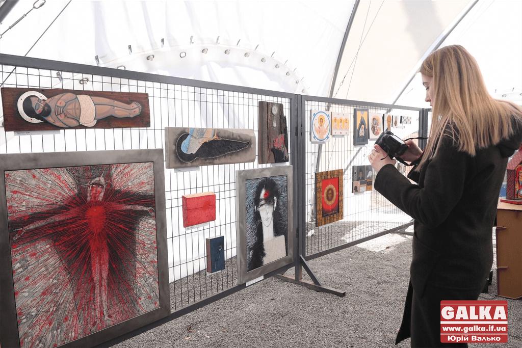 У Палаці Потоцьких відкрили виставку незвичних ікон (ФОТО)