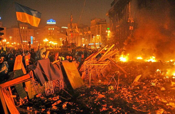 У Франківську презентували книгу про події Майдану на основі двох сотень інтерв'ю (ФОТО)