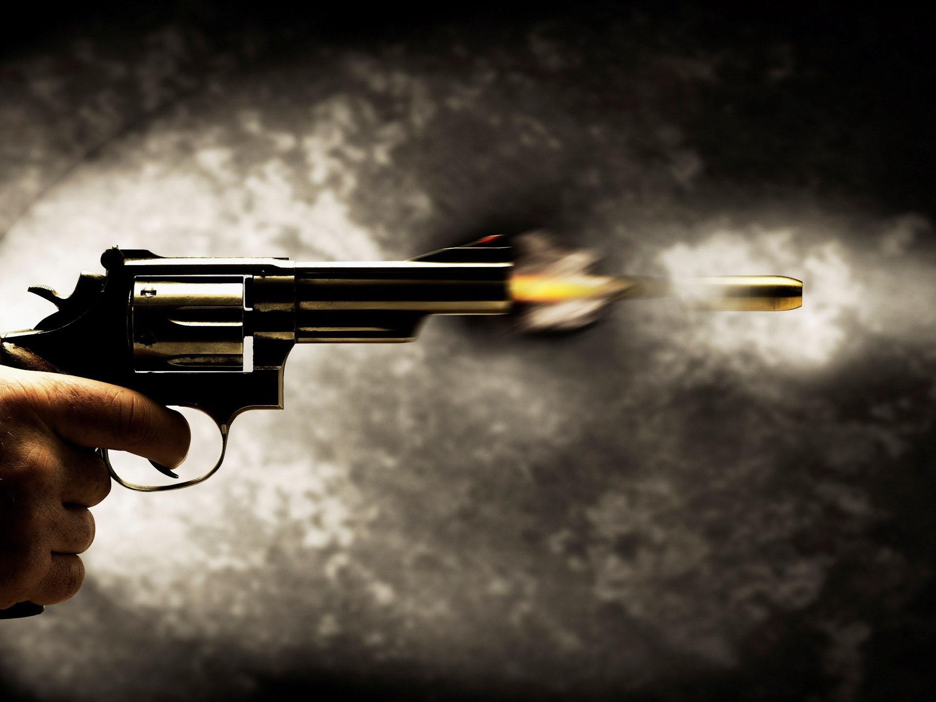 У Франківську невідомий вистрілив чоловіку в око