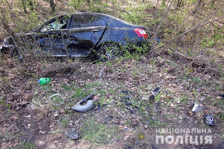 """На Коломийщині водій BMW виїхав """"на зустрічку"""" і зіткнувся з Geely – травмована жінка (ФОТО)"""