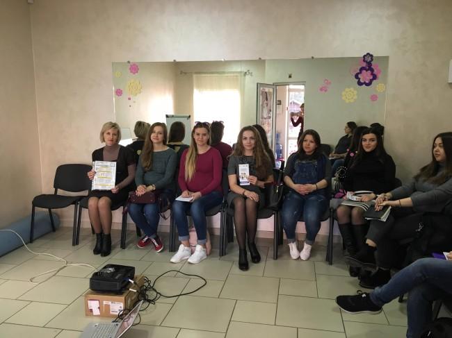 Майбутнім матусям Прикарпаття розповідали про відповідальне батьківство та їхні права (ФОТО)