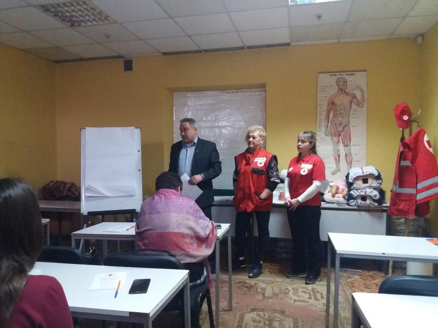 Прикарпатських волонтерів навчили просто та доступно розповідати про кір (ФОТО)