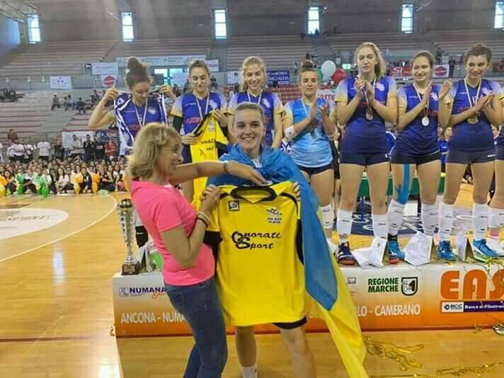 Франківську волейболістку визналинайкращою гравчинею на змаганнях в Італії (ФОТО)