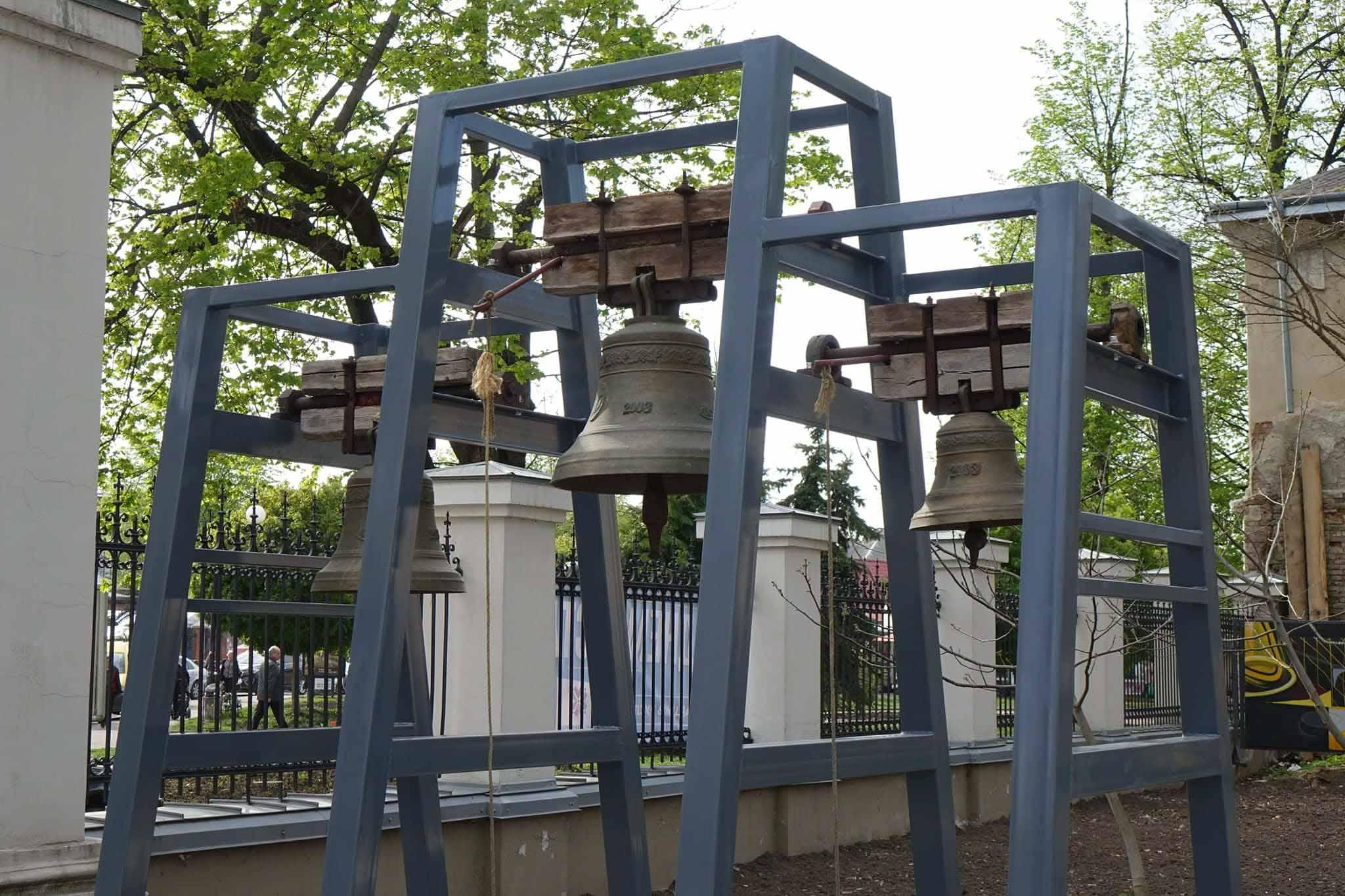У палаці Потоцьких сьогодні кожен охочий може подзвонити у великодні дзвони (ФОТО)