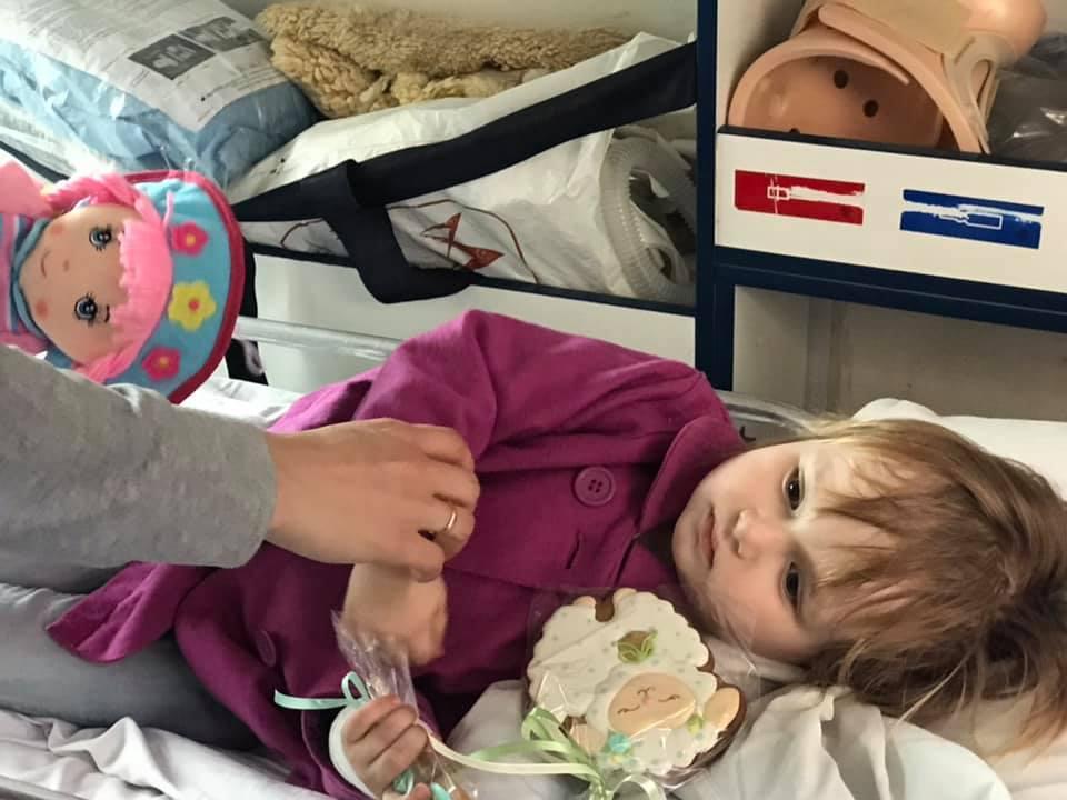 Дворічній дівчинці з Прикарпаття потрібна допомога у боротьбі з раком