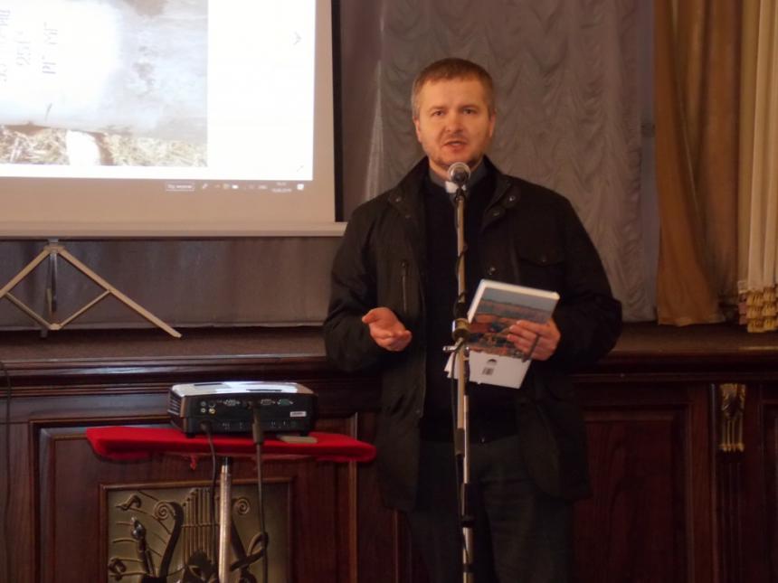 На Калущині капелан презентував книгу про війну на сході України (ФОТО)