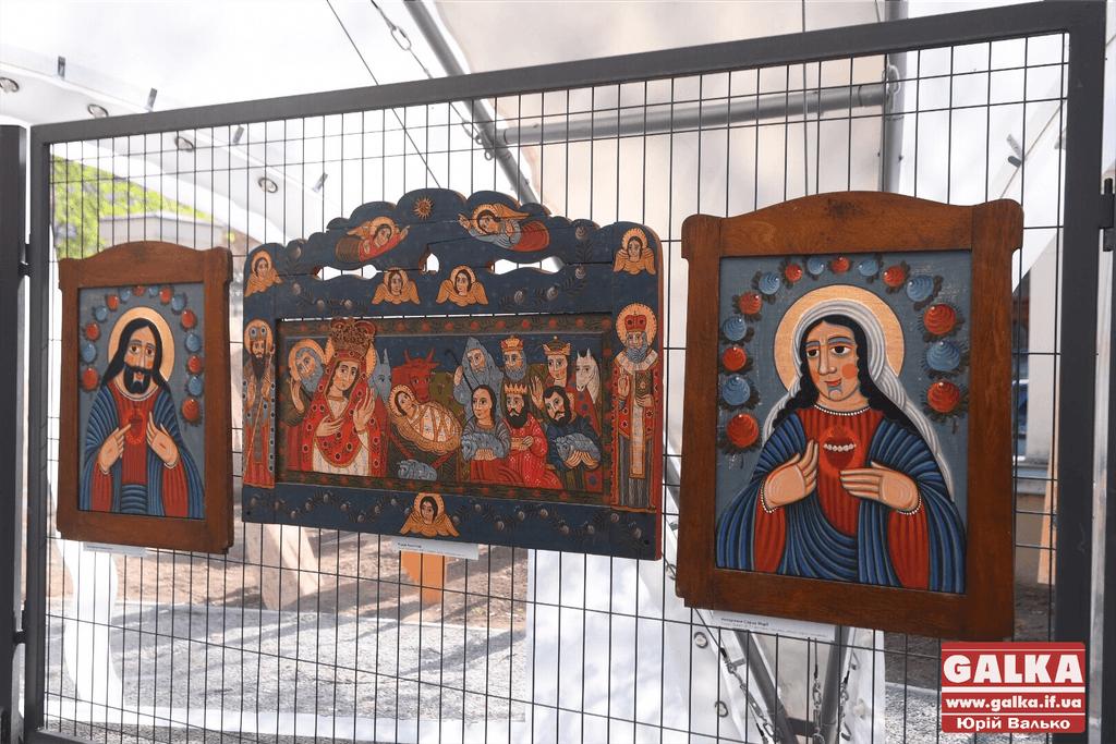 У Палаці Потоцьких відкрили виставку незвичних ікон (фоторепортаж)