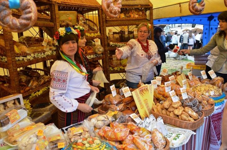 Франківців запрошують на традиційний ярмарок місцевої продукції