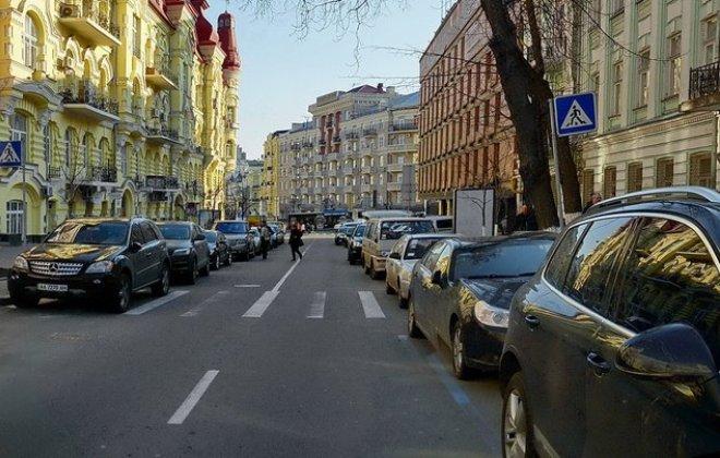 У ЄС посилили вимоги до зменшення викидів з автівок