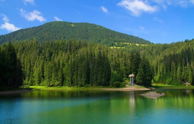 """Закарпатські """"Альпи"""" та Карпатська """"Голландія"""": 10 місць в Україні, які схожі на світові курорти (ФОТО)"""