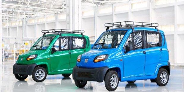 В Україну привезли найдешевше авто у світі (ФОТО)