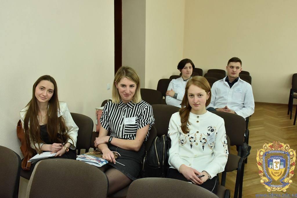 Студентки франківського вишу відзначилися на Всеукраїнській олімпіаді з онкології (ФОТО)
