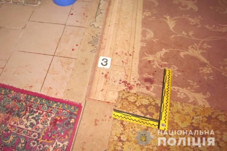На Коломийщині 24-річний чоловік порізав сусіда і лишив стікати кров'ю (ФОТО)