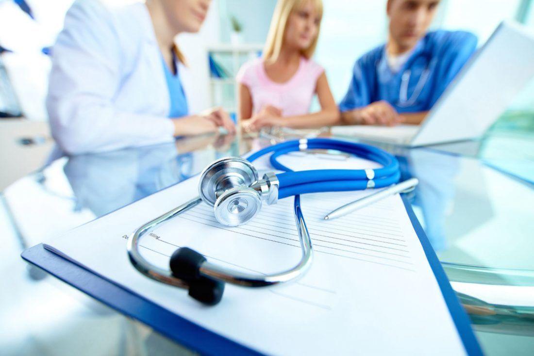 Медична реформа у 2019: що про неї говорять франківські лікарі та прості мешканці