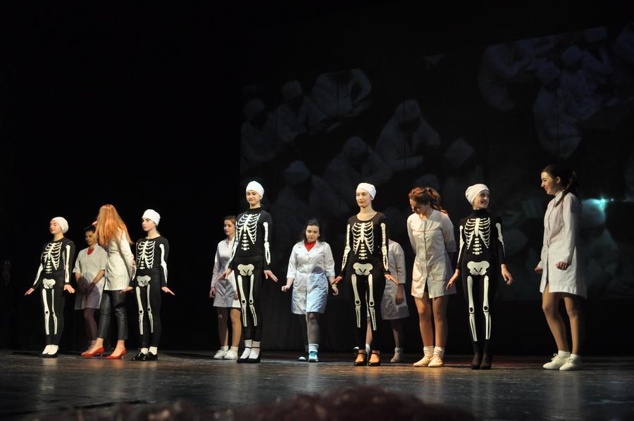Під час виступу місцевого ансамблю зібрали 70 тисяч гривень для важкохворого малюка (ФОТО)