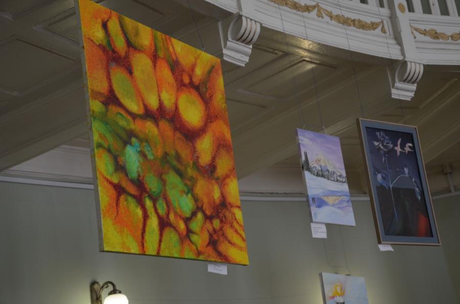 Стоматологи малюють: в ІФНМУ влаштували виставку живопису до 40-річчя факультету (ФОТО, ВІДЕО)