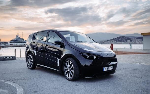 Німецька компанія запустила виробництво першого авто на сонячних батареях (ВІДЕО)