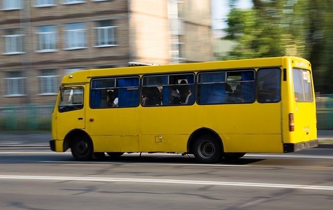 На вулиці Галицькій під колеса маршрутки потрапив пішохід