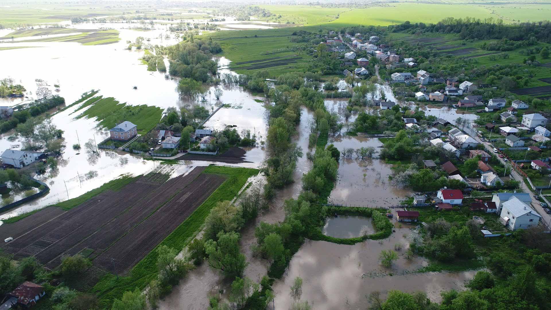 Наслідки стихії: світлини затопленої Тисмениці з дрона (ФОТОФАКТ)
