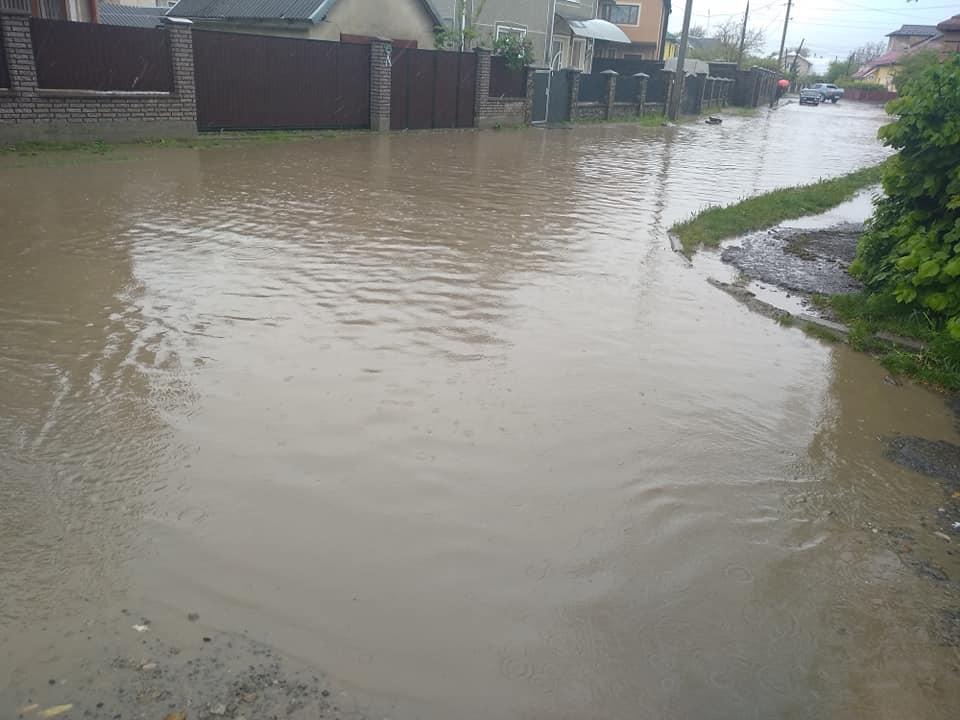 Негода наробила шкоди. На Прикарпатті рахують збитки від дощів