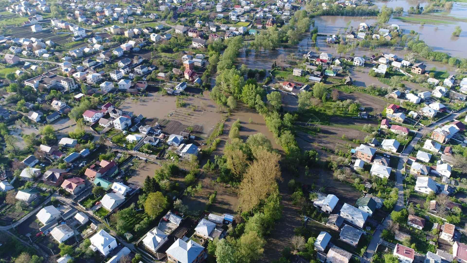 Область отримала 480 мільйонів для постраждалих від повені: кому їх виплатять першочергово