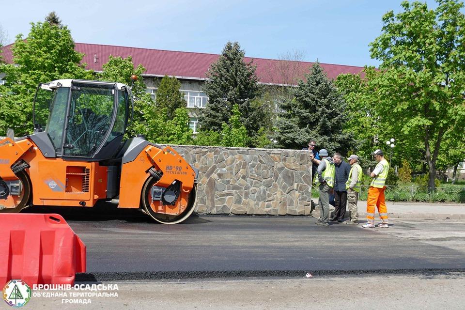 У Брошневі облаштували підземний перехід і вистелили новий асфальт (ФОТО)